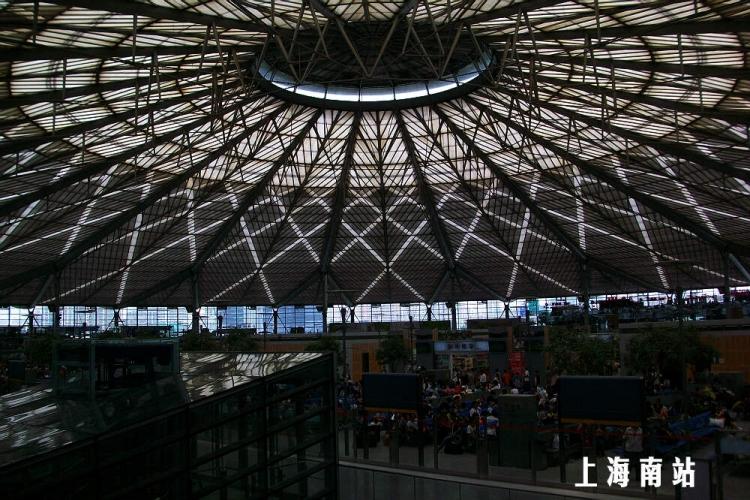从上海南站经杭州东到湘湖